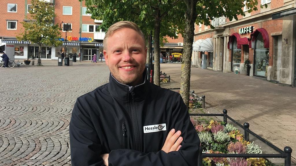 Johan Jönsson är centrumledare på Hesslecity.