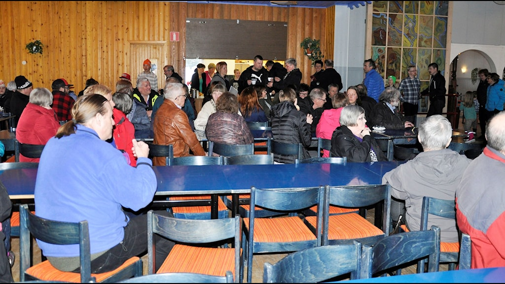 Många hade samlats i Tärendö under stormötet.