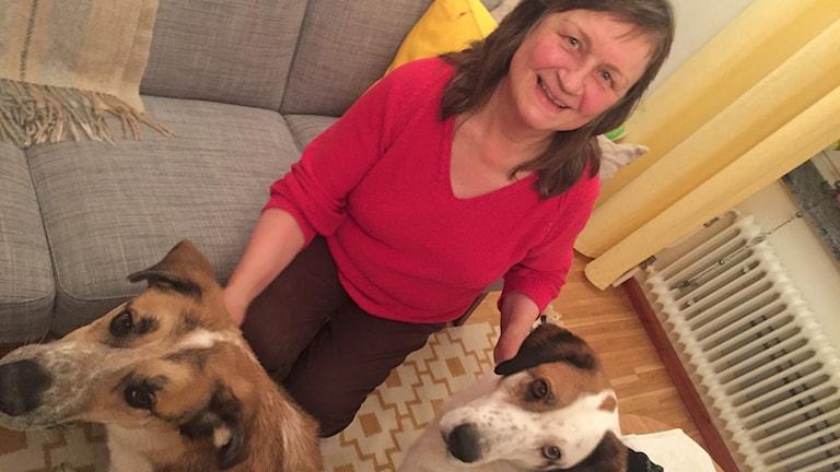 Eva Snäll med hundarna Fernando och Vida