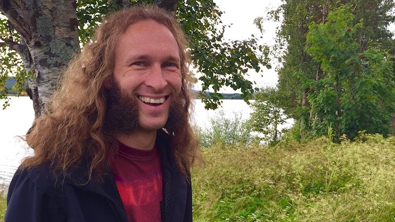 Kuva Daniel Särkijärvestä, Jukkasjärven rannalla