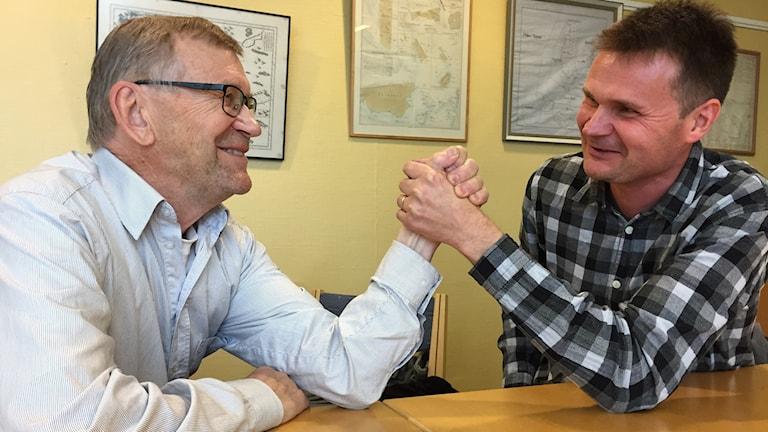 Ska politiken blanda sig i Svenska Kyrkans angelägenheter. Ove Kohkoinen och Stefan Aro tycker olika.