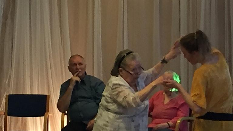Tanssit vanhuuskoila Gläntanilla