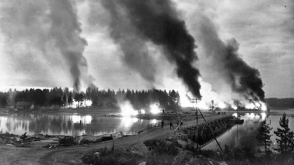 Karjala palaa  1944 Foto: Foto: Suomen Kuvapalvelu / RepBild / SCANPIX
