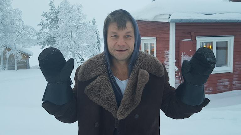 Riksspelman Daniel Wikslund i Tjautjas.