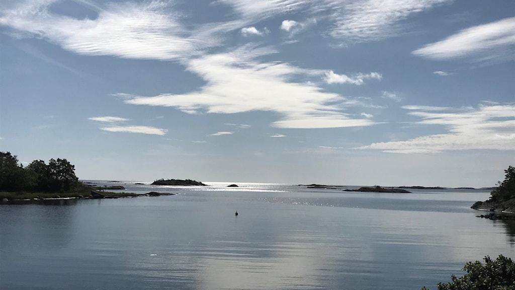 Sol och hav, utsikt från Örö i Misterhults skärgård.