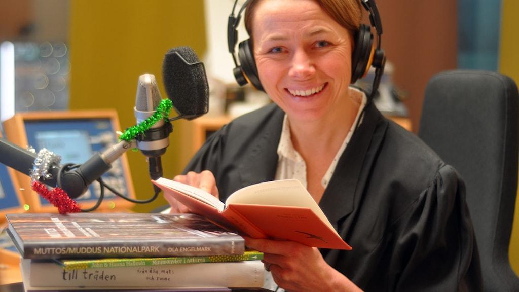 Jenny Berntson Djurvall leder Naturmorgons bokprat 2014. Foto: Helena Söderlundh/Sveriges Radio.