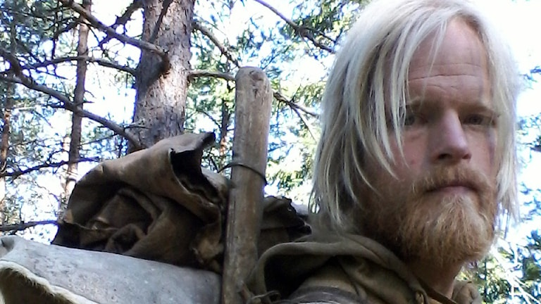 Johan Örlander, vildmarksguide som följt vargar på nära håll i flera år.