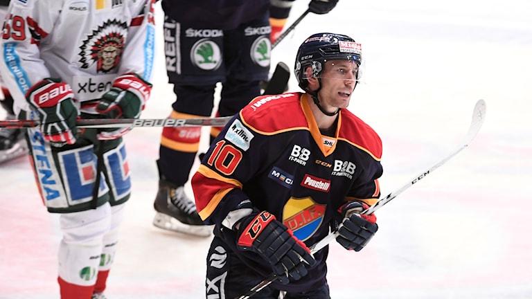 Djurgårdens Jeff Tambellini gjorde sitt första SHL-mål för Djurgården i segermatchen mot Frölunda. I Matchen mot Brynäs blev det inget mål. Förlust med 4-0.