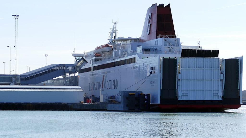 Färja i Visby hamn
