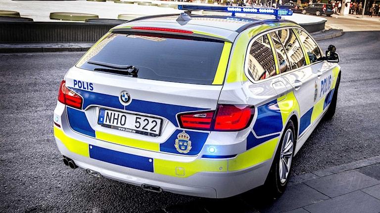 Polisen satte in omfattande resurser efter rånet mot guldbutiken i Norrtälje.