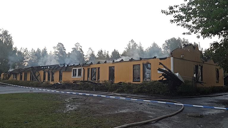 Källskolan i Bro totalförstördes i branden.