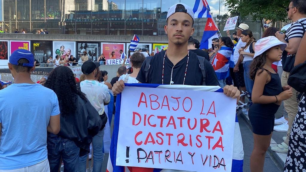 Demonstration för att visa stöd för Kubas folk på Sergels torg