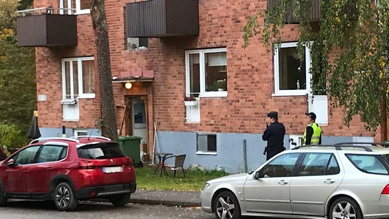Explosion i ett trapphus i Bromma i västra Stockholm.