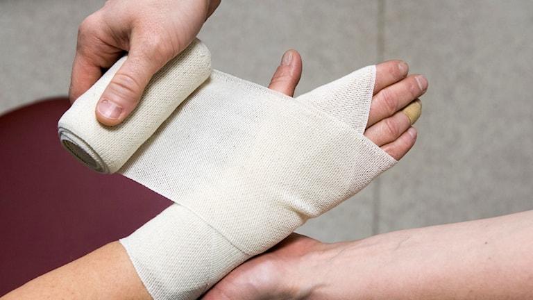 Landstingets kostnader för förbrukningsvaror, till exempel bandage, har dragit i höjden.