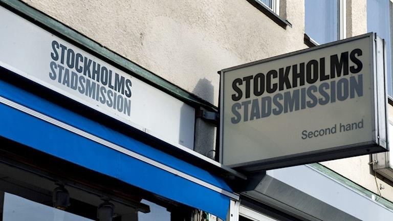 Stockholms stadsmission har gjort en polisanmälan om misstänkt koppleri.