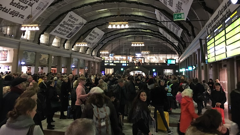 Kaos på centralen efter tågstopp