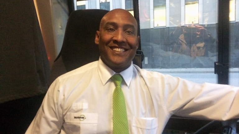 Busschauffören Hamid på buss 818C från Brandbergen.