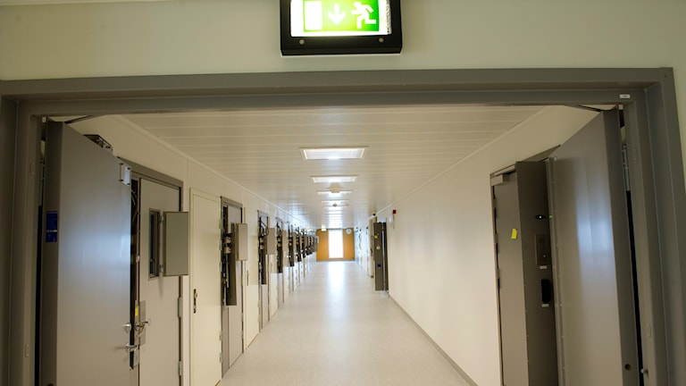 korridor på häktet i sollentuna