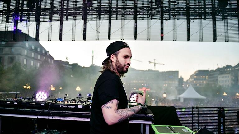 Steve Angello uppträder under endagsfestivalen Size in The Park i Stockholm.