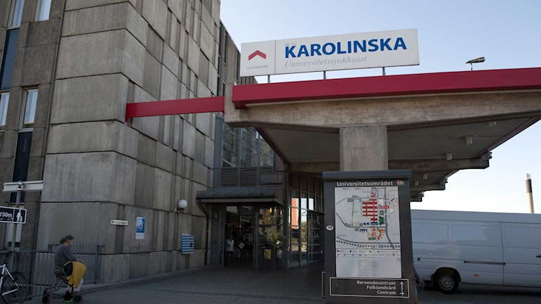 Personen som utreds för misstänkt ebola fördes till Karolinska.