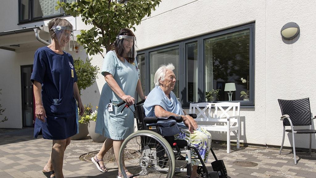 Besöksförbud på äldreboenden