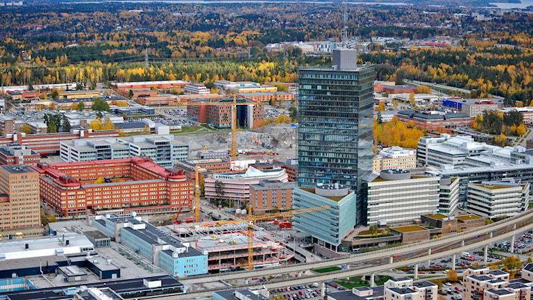 Flygbild över Kista med 128 meter höga Kista Science Tower och Kista Science City. Arkivfoto: Bertil Ericson / TT