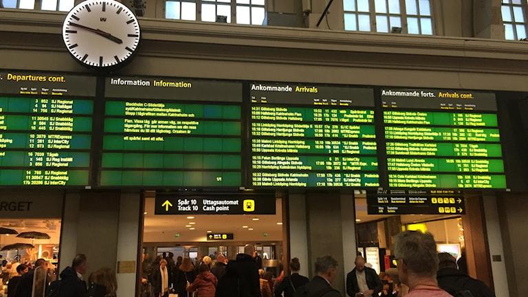 Tågförsening Centralstation Stockholm. Mariela Quintana Melin/Sveriges Radio.