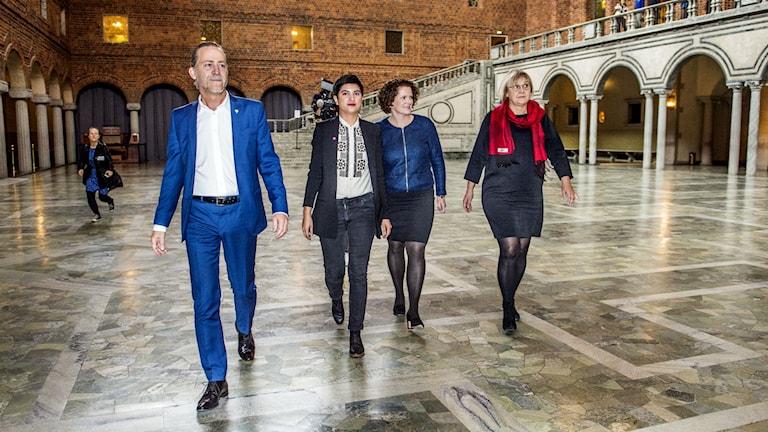 Den rödgrönrosa majoriteten i Stockholms stadshus. Foto: Lars Pehrson/Svd/TT