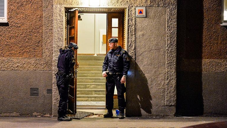 En man knivskars till döds vid ett bråk i Solberga i södra Stockholm. Foto: Foto: Anders Wiklund / TT /