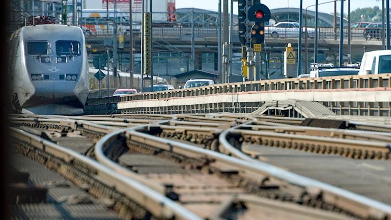 Ett X2000-tåg på Centralbron Foto: Janerik Henriksson /TT.