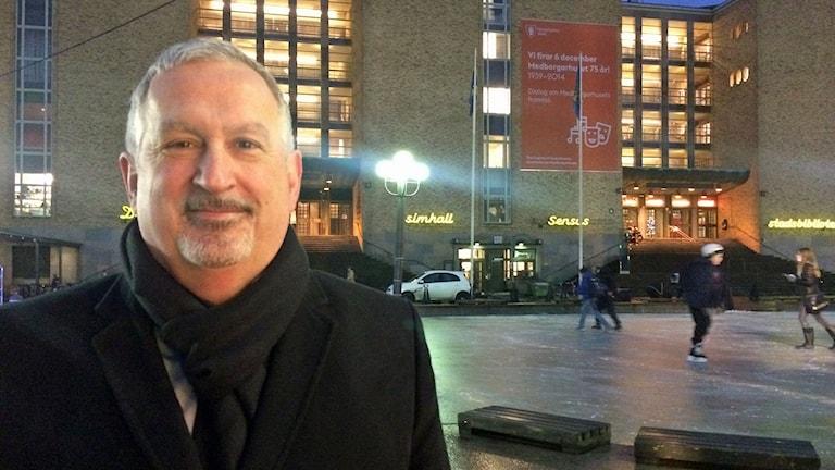 Juan Copovi-Mena, fastighetschef i Stockholms stad. Foto: Julia Brynolfsson/Sveriges radio.
