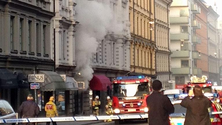 Brand i klädbutik på Östermalm i Stockholm. Foto: Josefin Sandstedt/Sveriges radio.