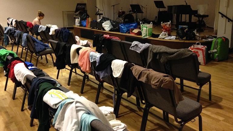 I Filadelfikyrkan samlas det in gåvor till hemlösa. Foto: Helena Björk/ Sveriges Radio