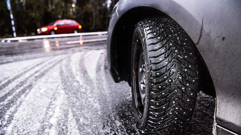 Risk för besvärligt väglag. Foto: Tomas Oneborg / TT