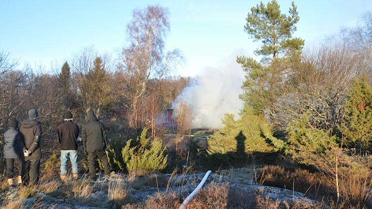 Ett fritidshus brann ned på Svartlöga Foto: Kustbevakningen