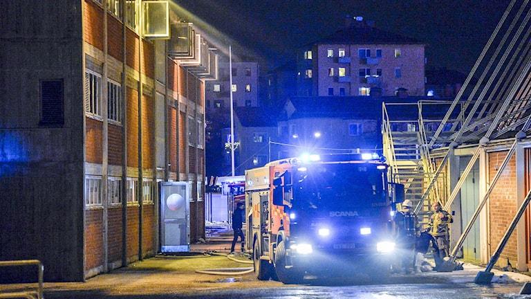 Räddningstjänsten kunde släcka branden på Söderstadion inom tre kvart. Foto: Anders Wiklund/TT.