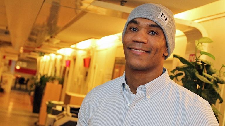 Nico Musoke, MMA-fighter från Botkyrka, i P4 Stockholm. Foto: Helen Ling /Sveriges Radio.