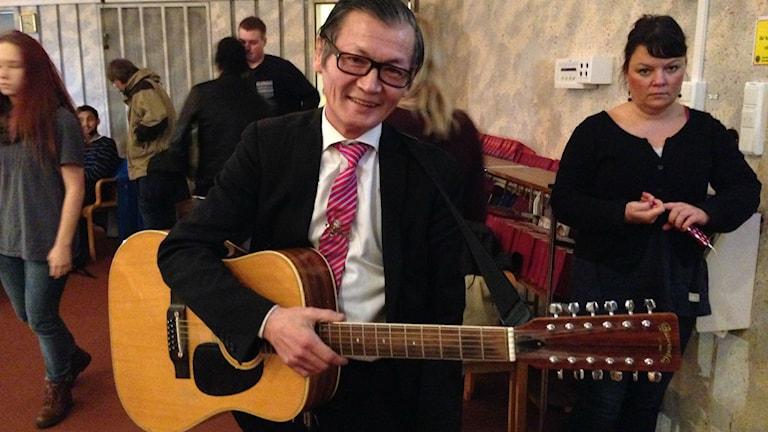Deltagare i Melodifestivalen för hemlösa. Foto: Max Pröckl/Sveriges Radio