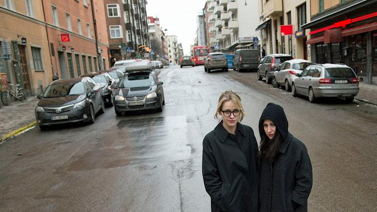 Lisa Henni och Nour El Refai spelade i komediserien 'Söder om Folkungagatan'. Foto Bertil Enevåg Ericson /TT.
