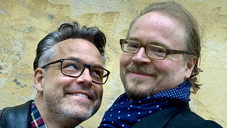 Henrik Schyffert och Fredrik Lindström vars show 'Ägd' får förlängd speltid och drar på turné Foto: Janerik Henriksson / TT