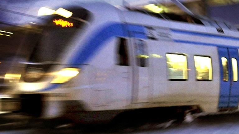 En bild på ett pendeltåg, SL kommer sätta in ytterligare direktbussar när pendeltågen står still. Foto: Tomas Oneborg / SvD / TT