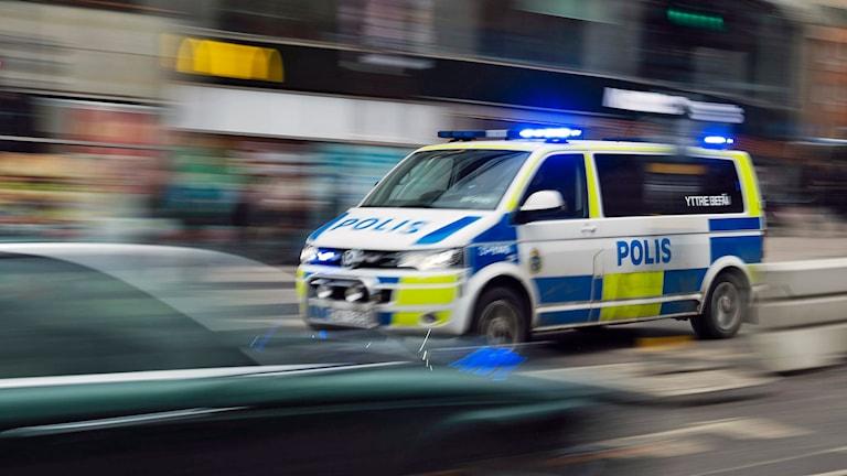 Polisutryckning med blåljus. Arkivfoto: Vilhelm Stokstad / TT.