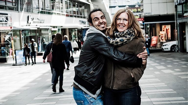 Programledarna Gurgin Bakircioglu och Mia Bryngelson i P4 Stockholm och P5 STHLM. Foto: Mikael Andersson /Sveriges Radio.