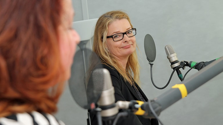 Eva Larsson (MP) och Lotta Edholm (FP). Foto: Helen Ling /Sveriges Radio.