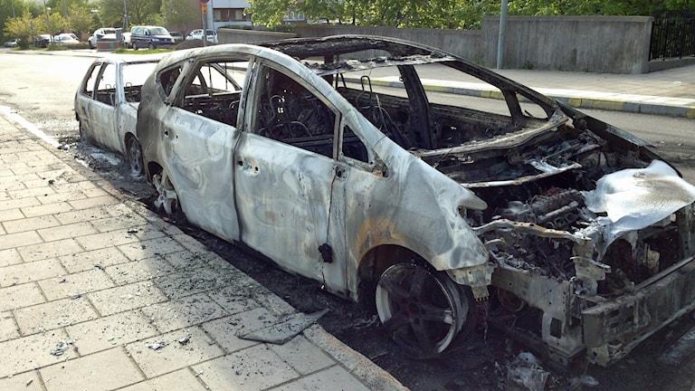 Ausgebranntes Auto, Östberga (Foto: Lina Lund/Sveriges Radio)