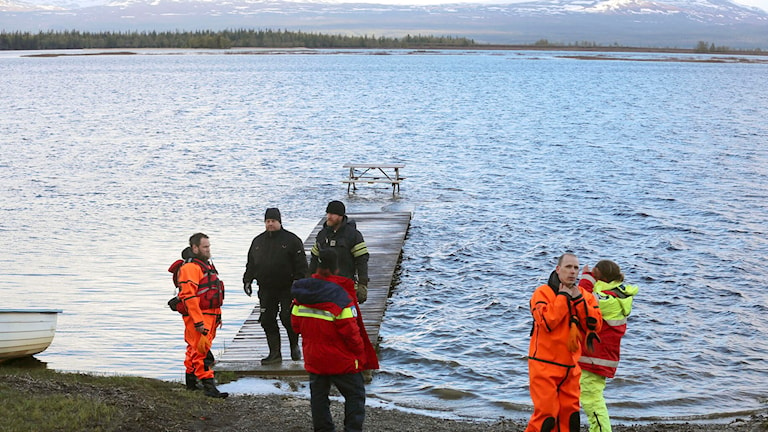 Räddningspersonal vid Ånnsjön utanför Åre. Foto: Terje Naess/TT.