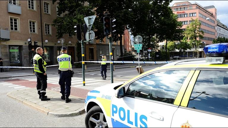 En kraftig smäll hördes på Hälsingegatan i stadsdelen Vasastan i Stockholm strax efter klockan 15. Foto: MAJA SUSLIN/TT.