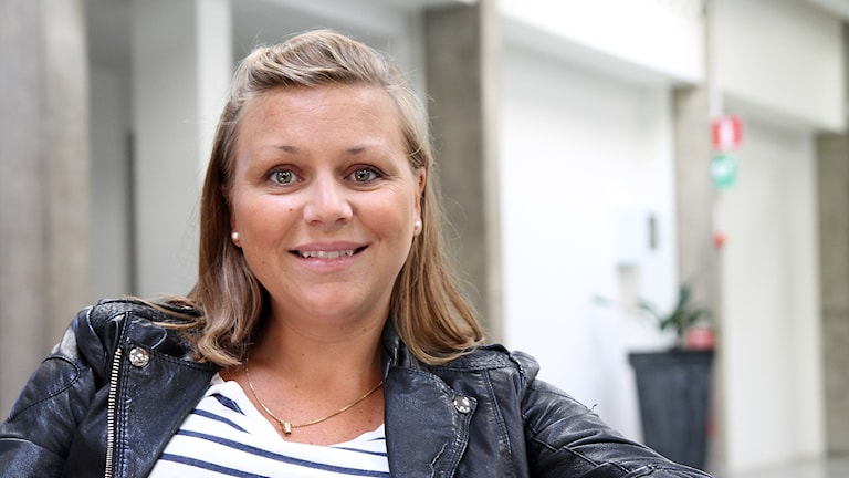 Nicole Kling gästar P4 Stockholm. Foto: Madeleine Rollenhagen/Sveriges Radio