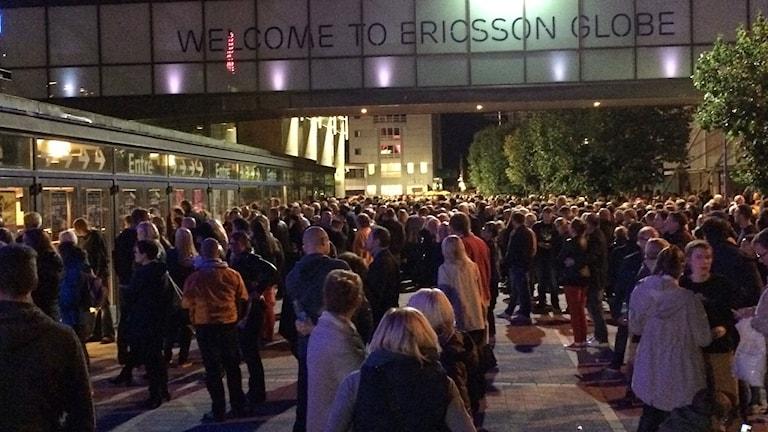 Globen evakuerades inför U2:s konsert på söndagskvällen. Foto: Anna Liderot/Sveriges Radio.