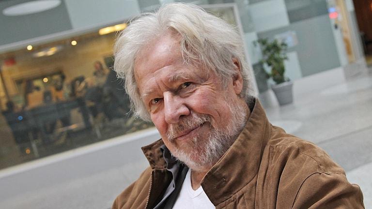 Sven Wollter gör pjäs om kärlek. Foto: Helen Ling /Sveriges Radio.